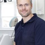 Tandlæge Kenny D. Sørensen